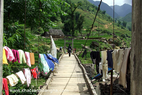 Suspension bridge to enter to Lao Chai village
