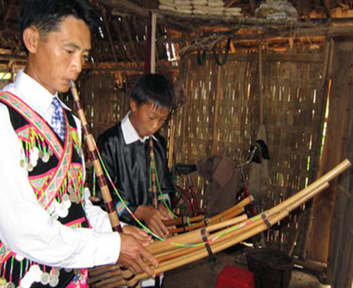Mong people's panpipes